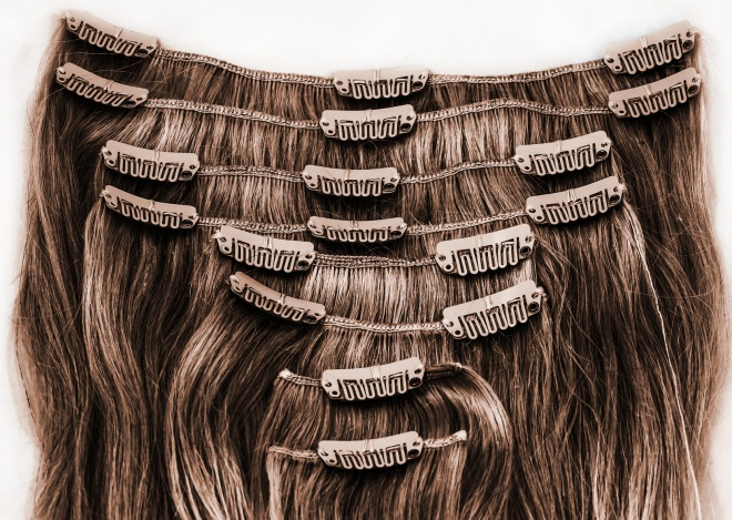 Brunette brown clip-in extensions. 8 pieces